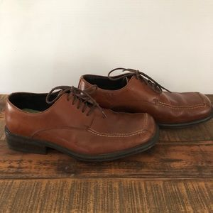 Kenneth Cole Reaction Brown Oxford shoes size 9.5